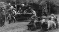 Na táboře v roce 1916 hraje Pětka divadlo pro děti i dospělé